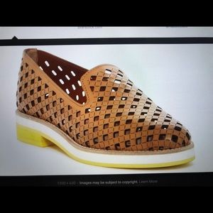 Aquatalia Women's Zanna Perforated loafer Sz7